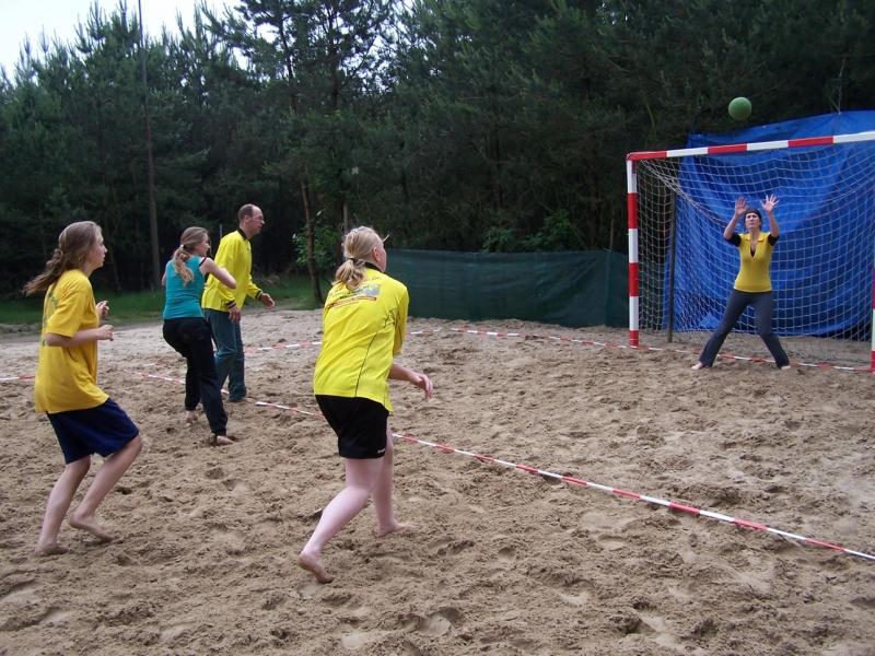 beachhandbal 1 juni 2008 013